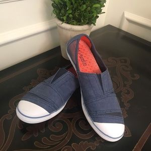 Columbia Women's Vent Slip On Shoes in Navy